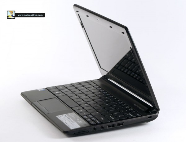 Acer Aspire One D257 - the new 10 incher from Acer, now sleeker and more powerful