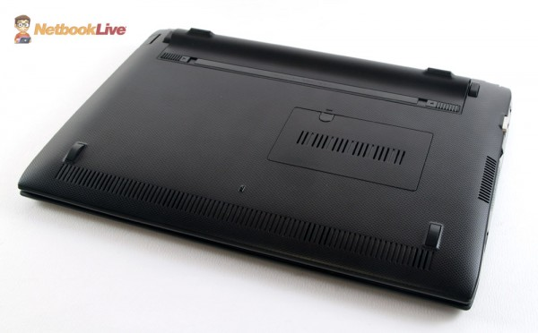 Black textured plastic bottom, with a memory bay